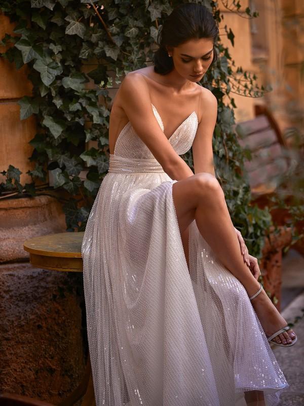 TOWARDS THE LOVE 8173 by Daria Karlozi