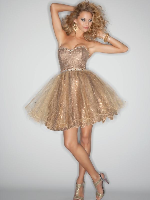 De la acele rochite mini, pana la acele rochite lungi si de la cele in culorii vii, mai nonconformiste, pana la acelea cu culori calde si discrete, rochiile ieftine pentru majorat avantajeaza orice gen de fata.